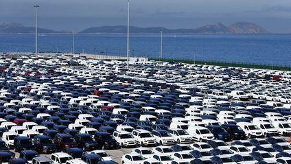 Las matriculaciones de vehículos en junio siguen bajando