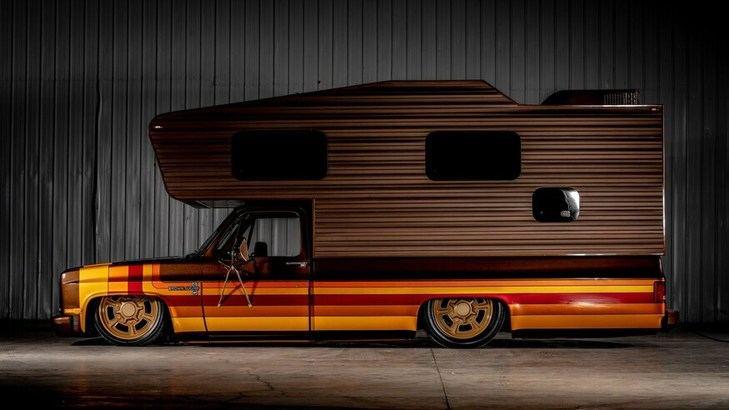 Custom 83 Chevy Camper ya está a la venta
