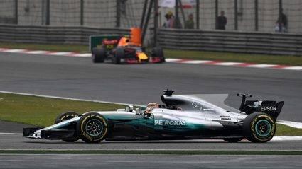 Hamilton muy superior en dos carreras diferentes