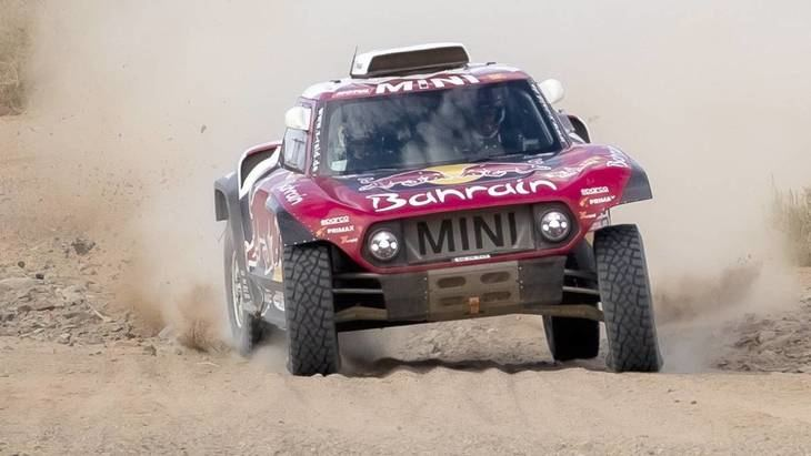 Dakar 2020 6ª etapa: Peterhansel gana y Sainz aguanta