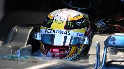 Hamilton cumple los pronósticos y hace la pole