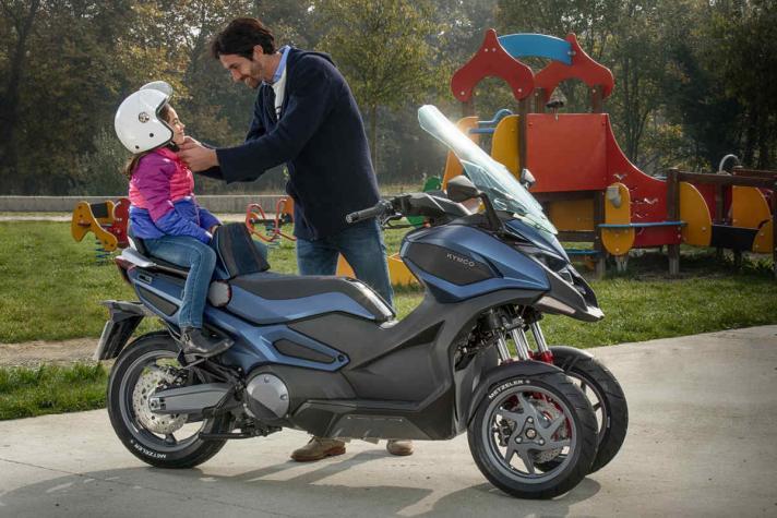 KYMCO presenta el primer scooter de 3 ruedas y su versión de 2