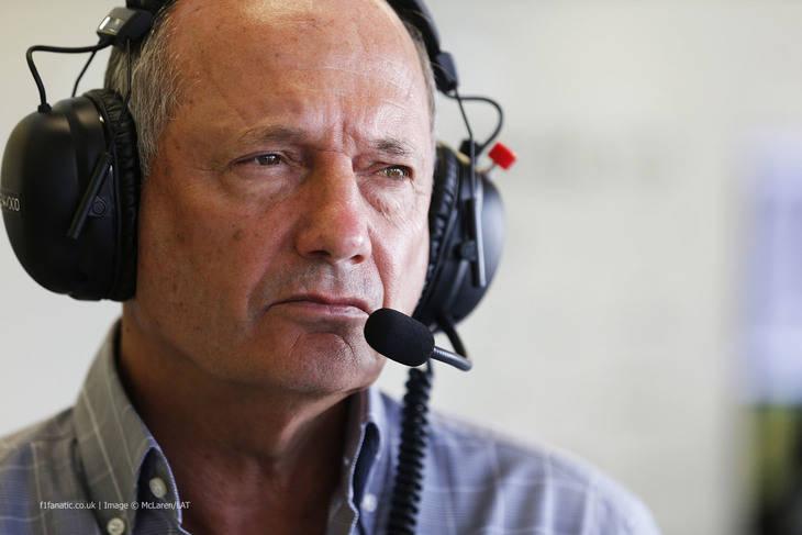 Ron Dennis, obligado a dimitir en McLaren