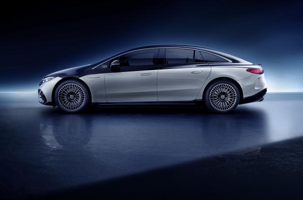 Mercedes EQS eléctrico de lujo