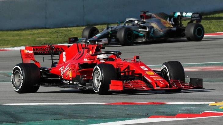 Ferrari avanza y Mercedes rompe un motor