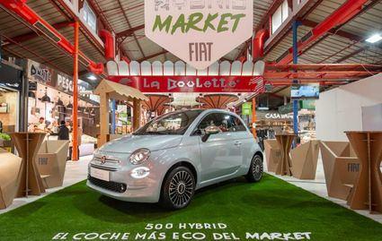 Fiat 500 Hybrid expuesto en el Mercado de la Paz