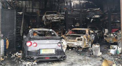 Masacre de varios Nissan GTR en Reino Unido