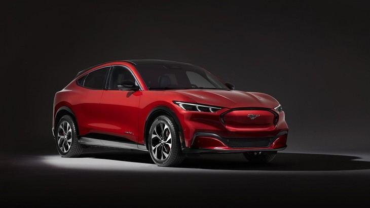 Mustang Mach-E con el nuevo e innovador sistema de Autonomía Inteligente