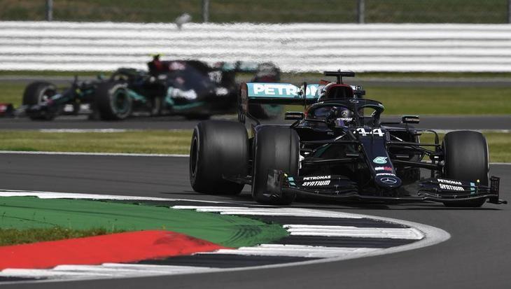 Hamilton fue el más rápido pero Mercedes guarda algunas décimas.