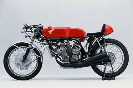 Una moto de leyenda: Honda RC 166