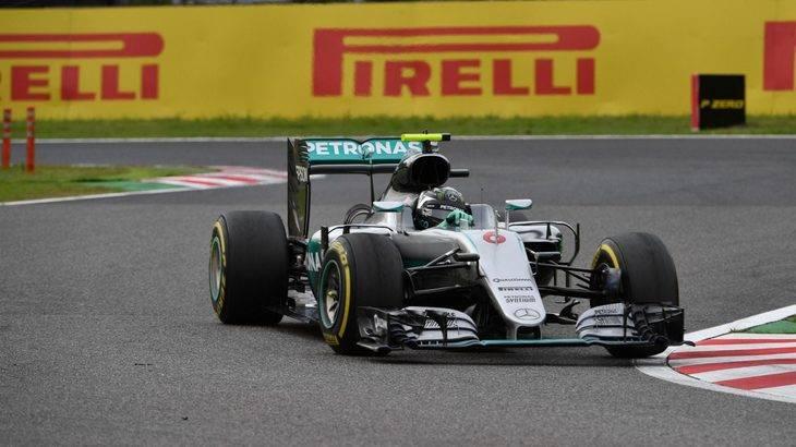 Rosberg lo tuvo fácil con la mala salida de Hamilton