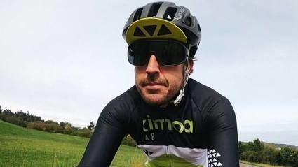 Fernando Alonso sufre un accidente y es hospitalizado