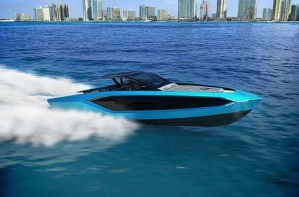 McGregor se compra un yate Lamborghini para ahogar sus penas.
