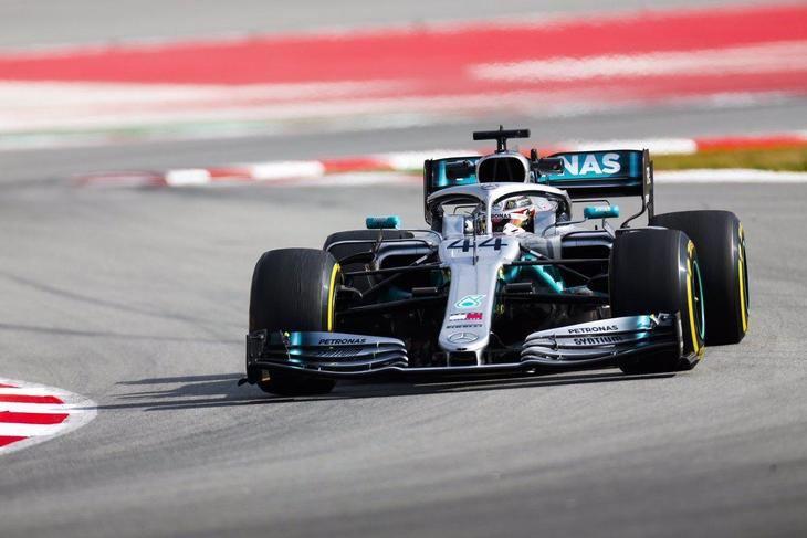 Vettel y Hamilton separados por 3 milésimas