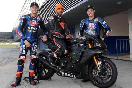 Lewis Hamiltón probó (y sufrio una caida) con la Yamaha SBK en el circuito de Jerez