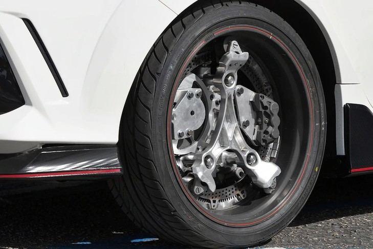 Unas llantas que hacen a un coche híbrido y aumenta su potencia