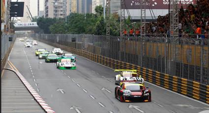 El vuelco del vencedor en la carrera de GT