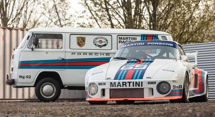 Porsche 935 y el VW bus de acompañamiento