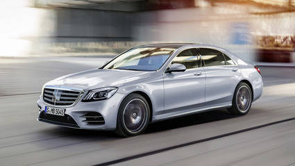 Los Mercedes Clase S se conducen solos en la planta de producción