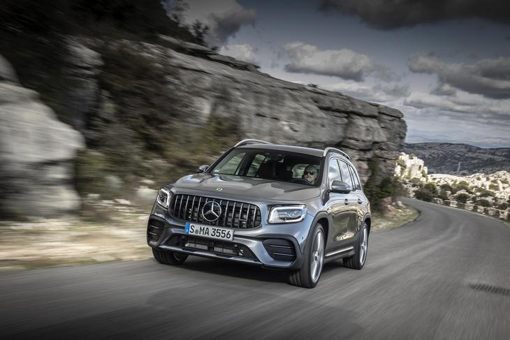 El Mercedes-AMG GLB 35 4Matic ya está disponible desde 64.100 euros
