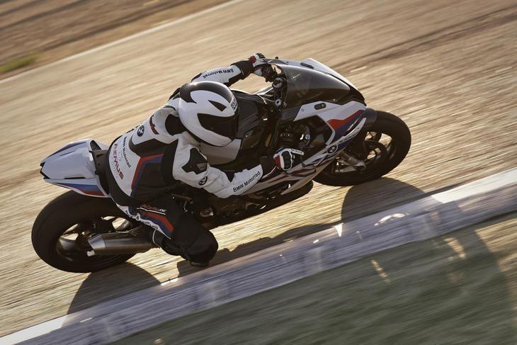 BMW Motorrad presenta los accesorios M Performance