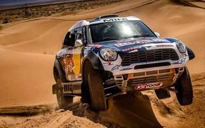 Al-Attiyah por delante de los Peugeot