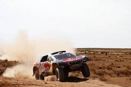 Barreda dice adiós al título y Peterhansel nuevo líder en coches