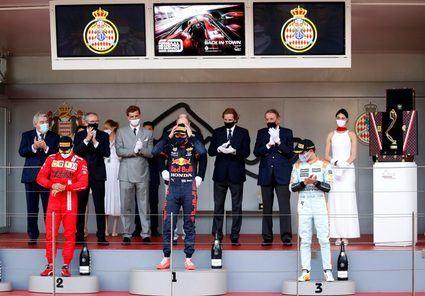 Verstappen se hace con la victoria del Gran Premio de Monaco.