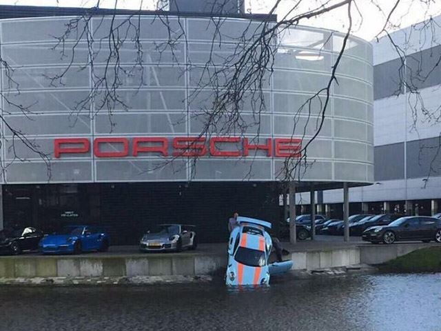 Un Porsche 911 GT3 RS 'refrigerado por agua'