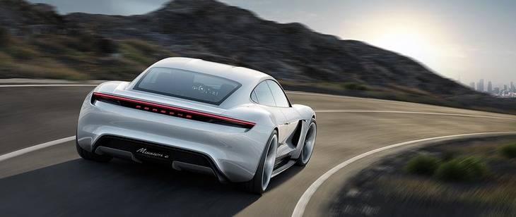 Porsche Mission E, el primer deportivo eléctrico de cuatro plazas en la historia de la marca