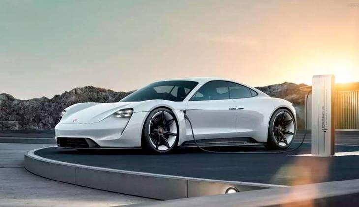 El jefe de investigación y desarrollo de Porsche, Michael Steiner: