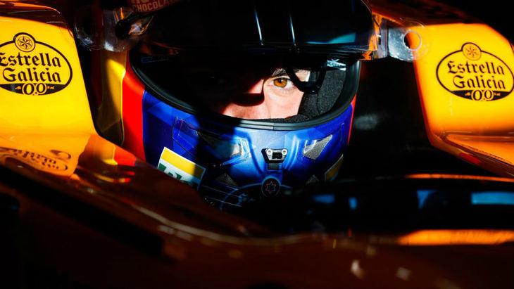 Sainz y McLaren en su mejor día y accidente de Vettel