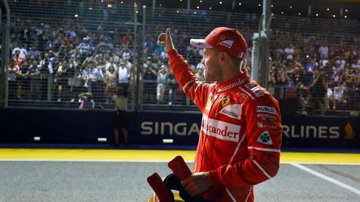 Vettel despierta y consigue la pole delante de los dos Red Bull