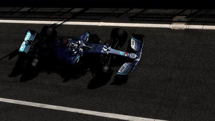 Mercedes intimida y Ferrari decepciona