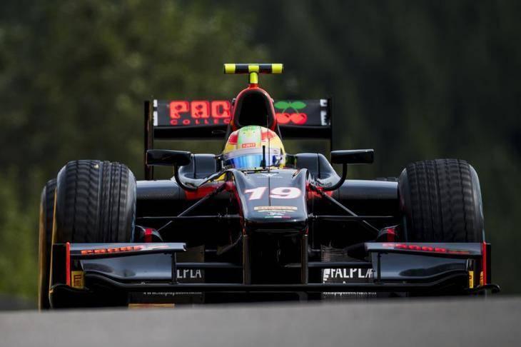 Roberto Merhi puntúa en las dos carreras