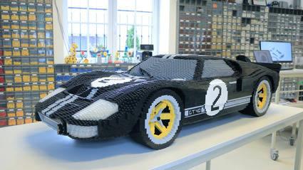 Mira como se construye un Ford GT ¡con piezas de Lego!