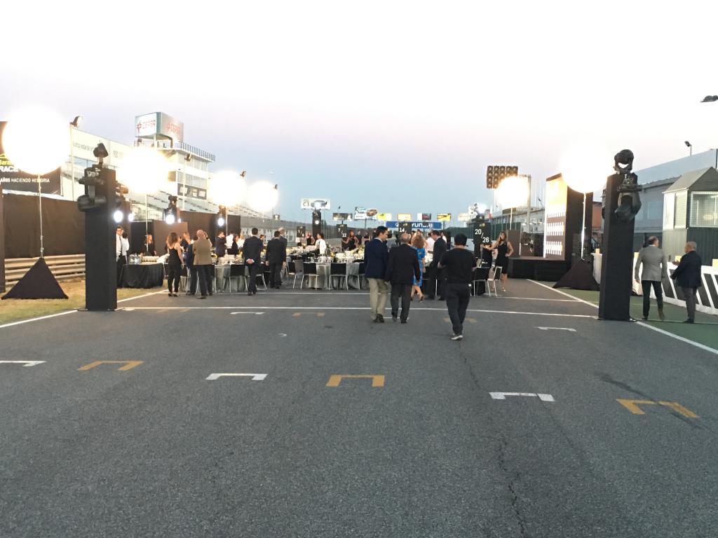 Circuito Jarama : Estrenamos el nuevo asfalto del circuito del jarama motorbike